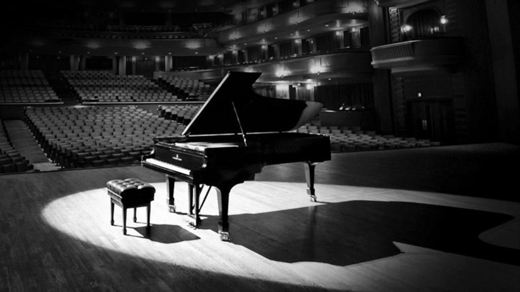 Пианино vs синтезатор: осваиваем клавиши