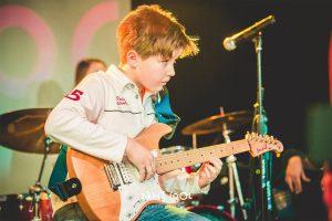 Обучение детей игре на гитаре