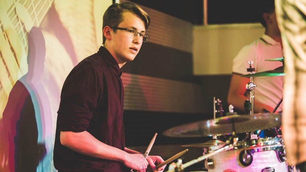 Как улучшить свою технику игры на барабанах?
